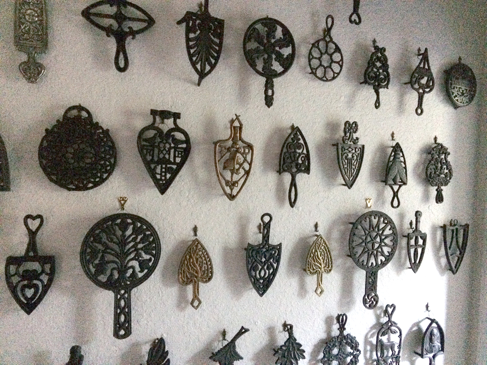 Antique Trivets Trivetology